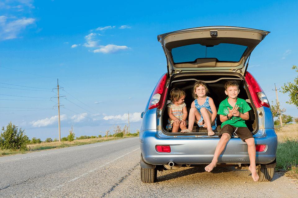 viaje-familia-coche