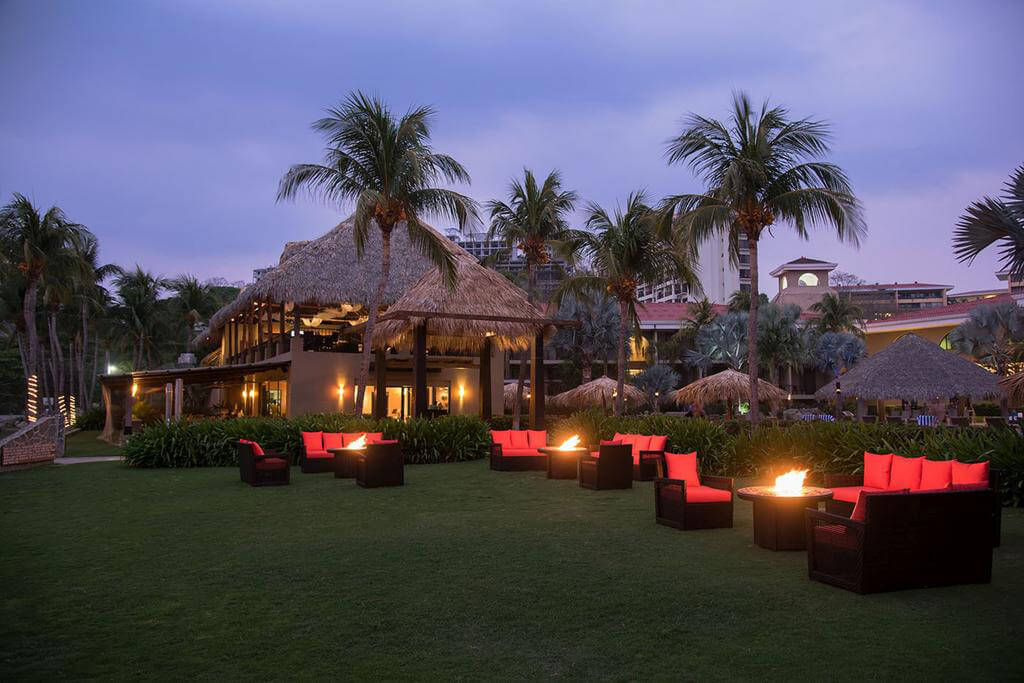 Flamingo Beach Resort 2