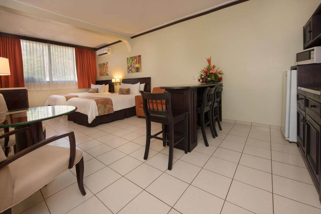 Flamingo Beach Resort 7