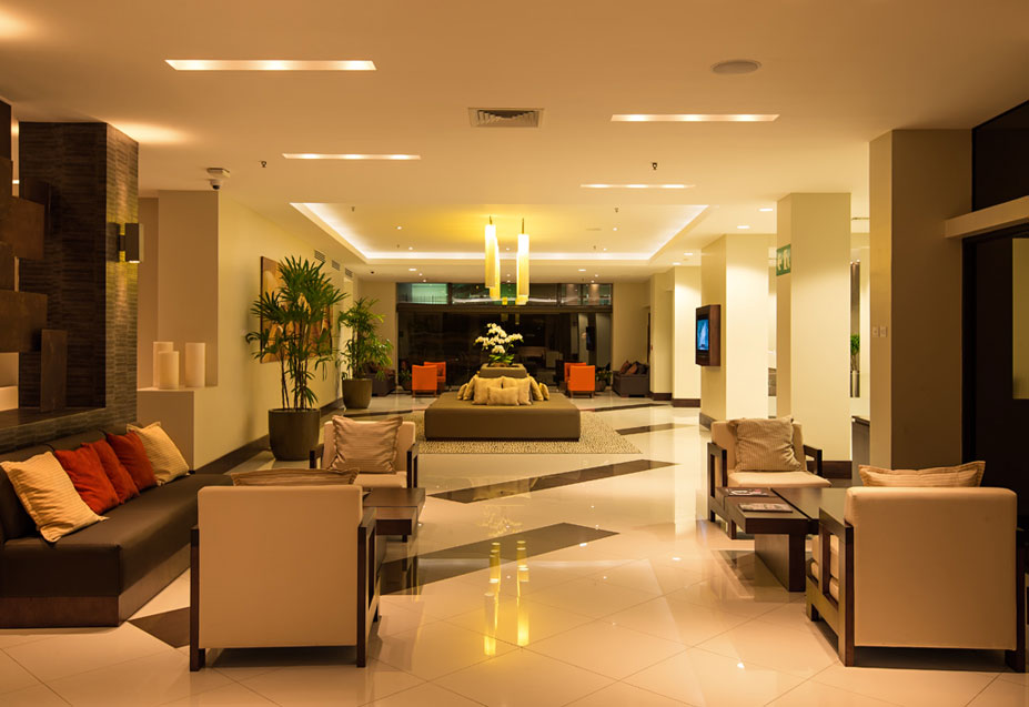 Wyndham Garden Escazú Lobby