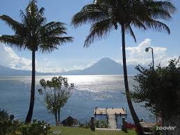 Jardines del lago Panajachel 3